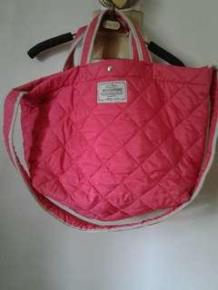 全新韓媽咪包(又輕容量又大且間隔多顏色也很可愛桃紅色)別錯過哦