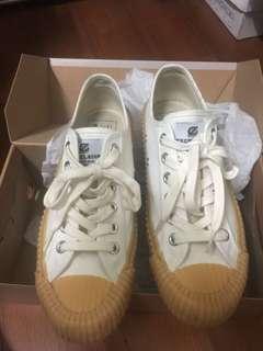 轉賣 正韓 小安 Nude  doe superga 韓國國民鞋 帆布鞋 小白鞋 休閒鞋 餅乾鞋 焦糖底 正貨 球鞋
