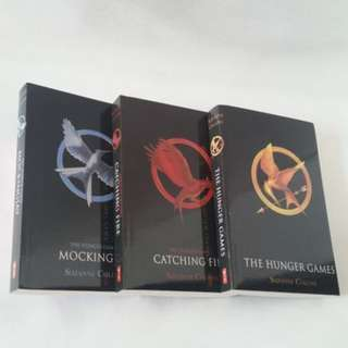 🚚 THE HUNGER GAMES TRILOGY (FREE DELIVERY BRAND NEW)