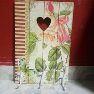 Vintage flower accessories holder