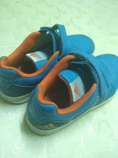 Adidas original shoes for kid (2 item for one price)
