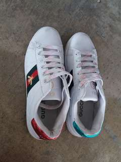 Gucci sneakers white