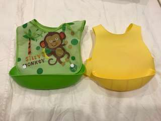 Baby feeding bib - set of 2