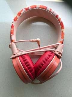 Headphones靚靚聴音樂