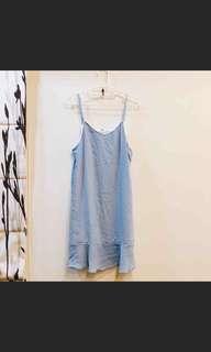 水藍色洋裝