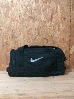 Dugfe bag Nike .