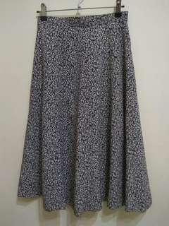 🚚 (二手) 藍色碎花/復古款 印花長裙
