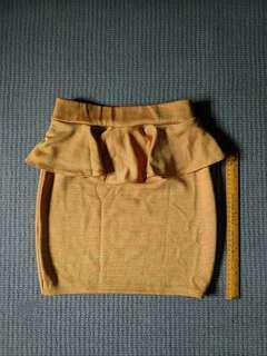 Yellow skirt (stretch fabric)