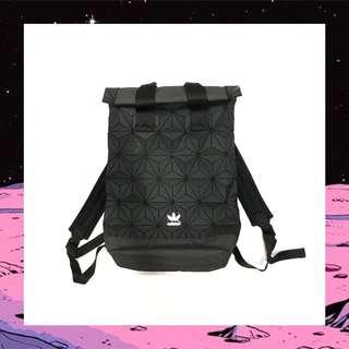 🚚 Adidas originals 3D bag