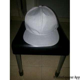 🚚 灰色素面棒球帽🧢