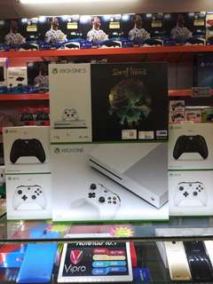 Xbox One S 1TB Bundle