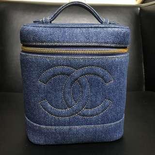Chanel vintage 深色牛仔化妝包