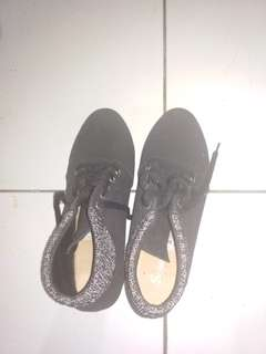 #FreeOngkir Black Sneaker Wedges