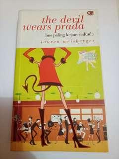 The Devil Wears Prada / Bos Paling Kejam Sedunia - Lauren Weisberger