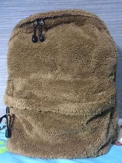 啡色毛毛背囊 Brown Fluffy Backpack