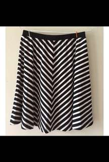 Minimal Skirt Stripes