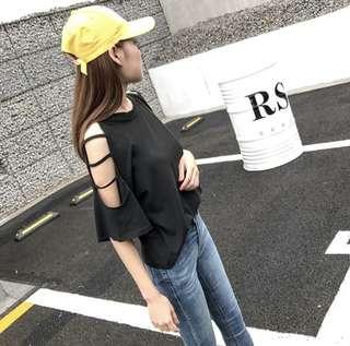 🚚 🌸韓版性感露肩素面鏤空短袖T恤
