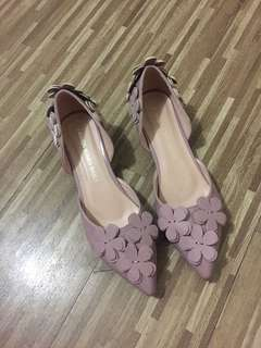 Old rose flower stiletto kitten heels