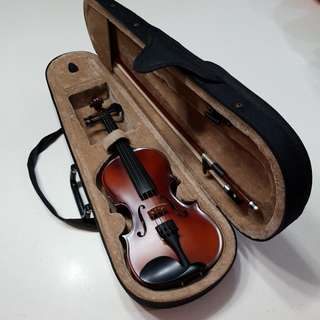1/8  Violin & Bow