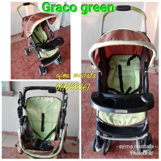 Graco stroller with tray