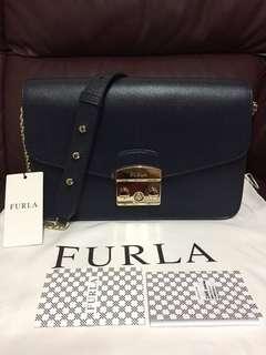 歐洲Furla大特價:香港🇭🇰現貨:全新Furla Small Crossboby 專門店款單肩包 深藍色!made in Italy