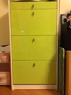 綠色玻璃面三層薄身木鞋柜
