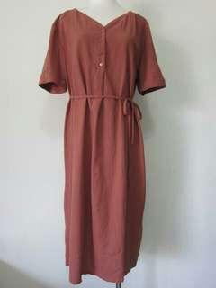 🚚 磚紅色寬鬆綁繩連身長裙(附腰繩)