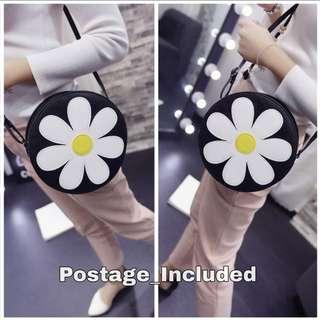 Daisy's sling bag