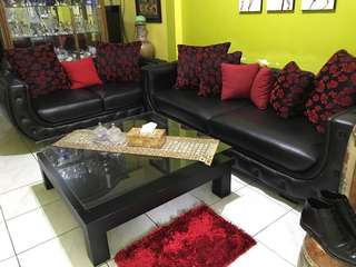 Sofa dan mejanya merk cellini