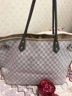 Nice Claup preloved bag