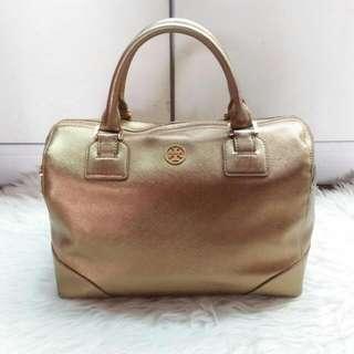 Pre❤ tory burch robinson satchel gold saffiano