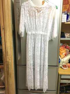 白色lace透視裙罩衫White lace dress