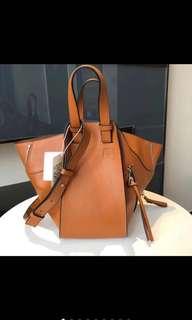 L0ewe Hammock Bag discount