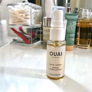 🚚 Ouai Wave Spray 30mL