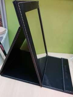 Bobbi Brown foldable mirror