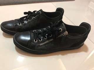 Louis Vuitton Mens Shoe