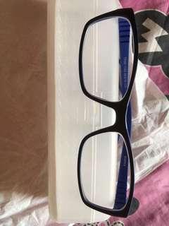 Kaca mata anak bahan karet minus kanan - 0.25 kiri- 0.25