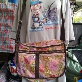 Amica Moda Sling Bag