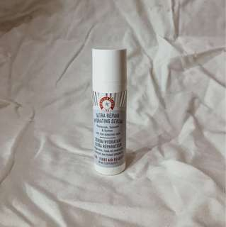 First Aid Beauty Ultra Repair Moisturizing Serum