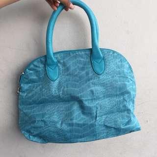 Tas kulit blue