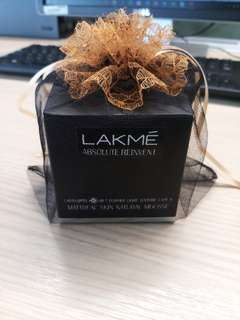 Lakme Absolute Reinvent Mattreal Skin Natural Mousse Foundation - Ivory White