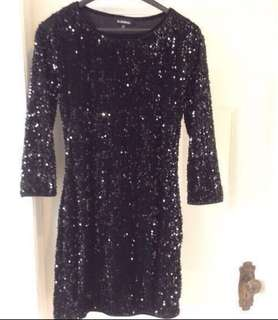 **NEW**SUPER CUTE Le Chateau black sparkly sequins evening dress✨(size medium)with 3/4 length sleeves(small fitting medium) ***