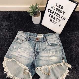 ONE TEASPOON • Star Denim Shorts