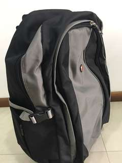 Laptop travel bag with wheels