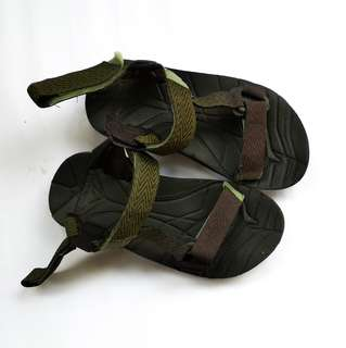 Sepatu sandal hiking eiger asli