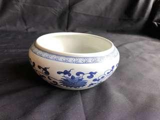 青花缸,高8cm x 闊17cm