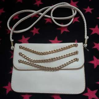 White pouch/sling bag