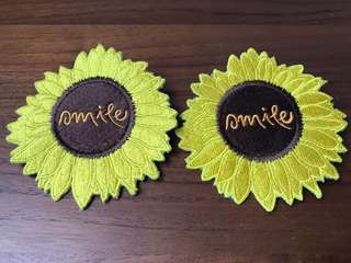 """BN """"smile"""" sunflower badge for bags or wearing"""