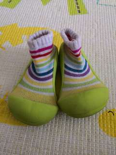 Attipas Rainbow Shoes (US 5.5)