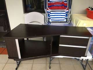 Tv console wood. Excellent condition